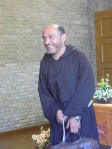 Padre Pietro Maranesi attraverso la sue relazione ci ha introdotte negli atteggiamenti per vivere appieno il nostro Capitolo