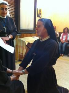 Suor Ester rinnova i voti