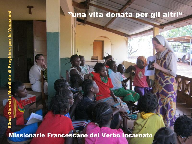 hna. Solange y hna. Chiara Encuentro formativo con jòvenes centroafricanas